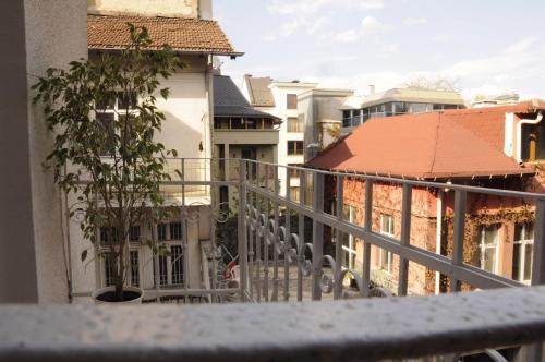 Emigrant Apartment