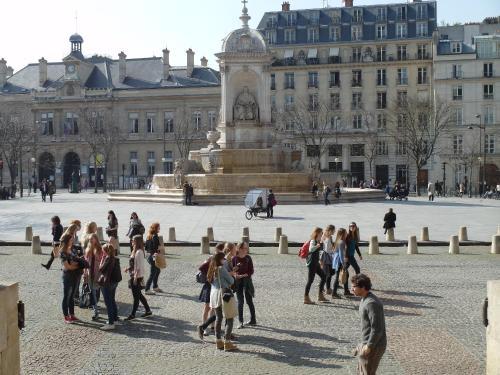 Saint Germain Elegant ChicSuites photo 17