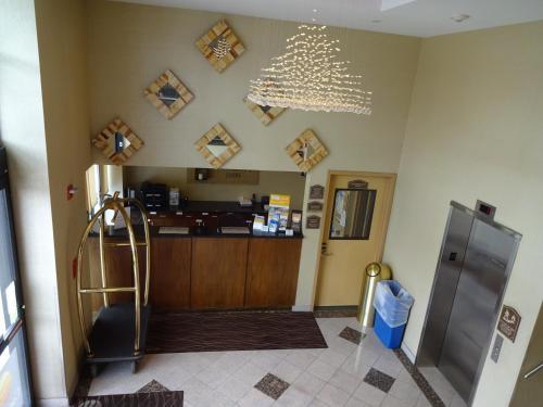 Bellerose Inn Photo