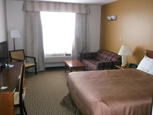 Foxwood Inn and Suites Photo