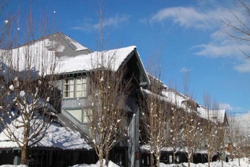 Glacier Lodge By Resortquest - Whistler, BC V0N 1B1