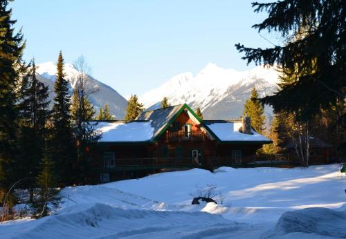 Moberly Lodge - Golden, BC V0A 1H1