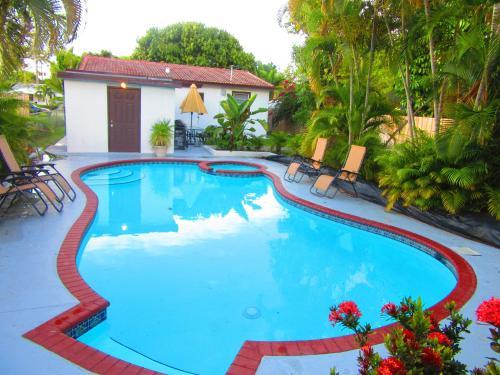 Hollywood Holiday Home - Hollywood, FL 33020