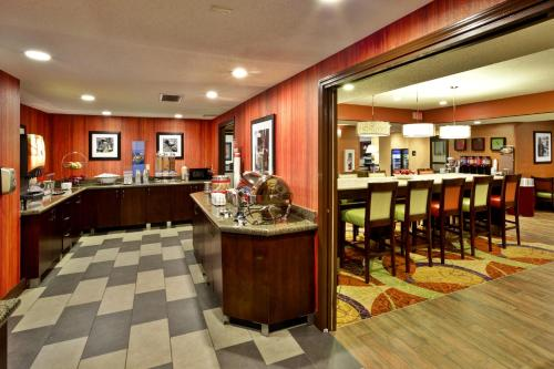 Hampton Inn Cincinnati Airport-north - Hebron, KY 41048