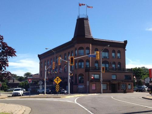 Algonquin Hotel - Sault Ste Marie, ON P6A 2B4