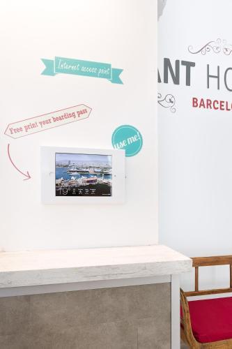 Ant Hostel Barcelona photo 12
