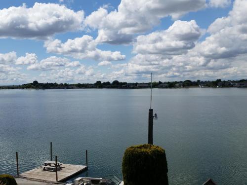 Lakeshore Inn - Moses Lake, WA 98837