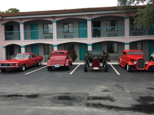 Flamingo Inn - Kissimmee, FL 34744