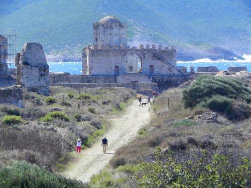 Methoni 240 06, Greece.