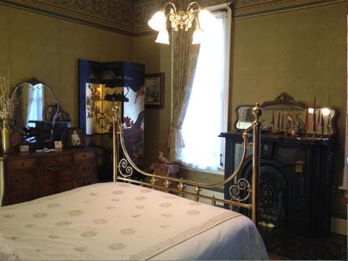 Nicki Lee Mansion - Golden, CO 80427