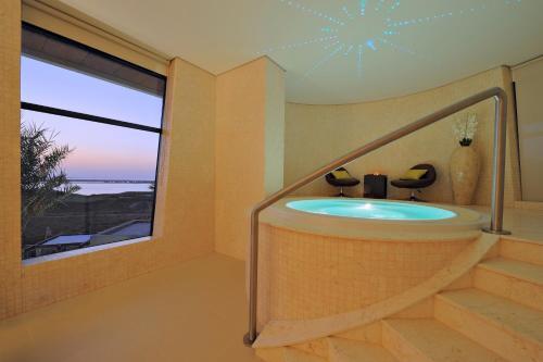 Radisson Blu Hotel, Abu Dhabi Yas Island photo 31