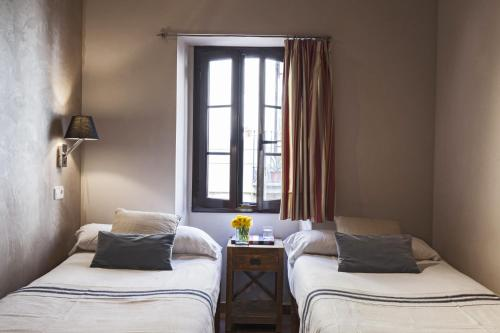 AinB Las Ramblas-Guardia Apartments photo 48