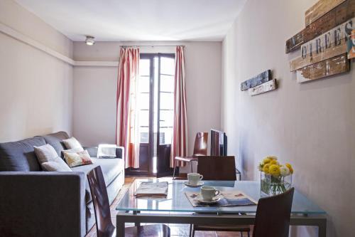 AinB Las Ramblas-Guardia Apartments photo 58