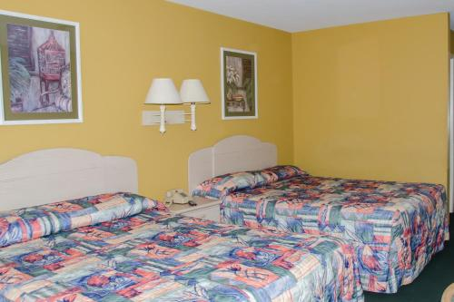 Key West Inn - Childersburg, AL 35044