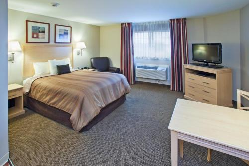 Candlewood Suites Minot - Minot, ND 58701