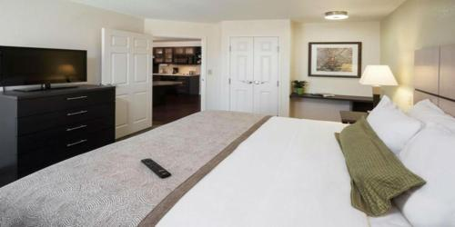 Candlewood Suites Erie - Erie, PA 16509