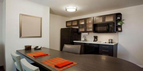 Candlewood Suites Erie Photo
