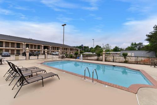 Mockingbird Inn & Suites Photo