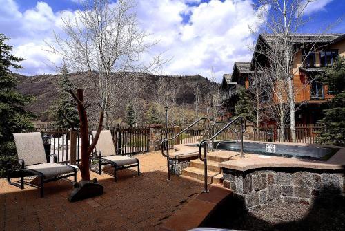 Capitol Peak Lodge #3317 Photo