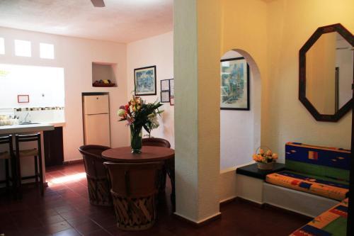 Suites Plaza del Rio Photo