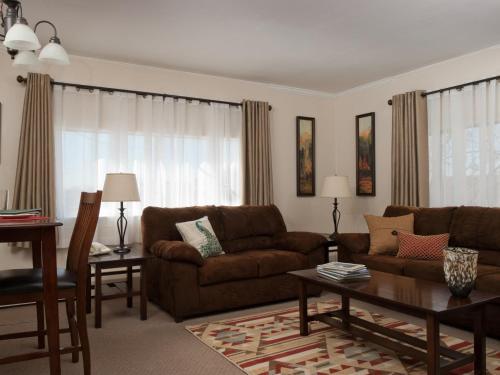 Duke's 8th Avenue Hotel - Anchorage, AK 99501