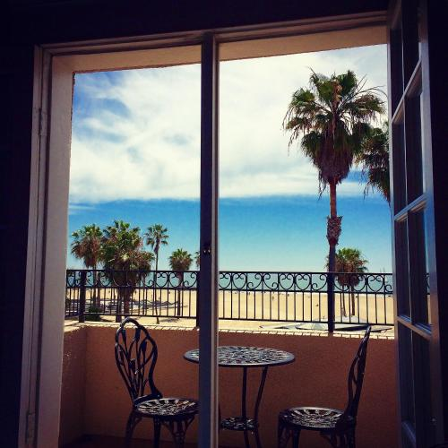 Venice Beach Suites & Hotel Photo