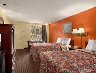 Knights Inn Atlanta East - Tucker, GA 30084