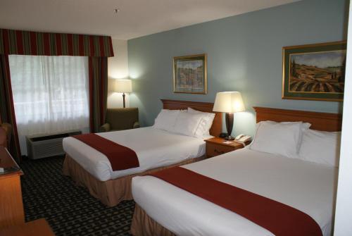 Holiday Inn Express Fayetteville - Fayetteville, GA 30214