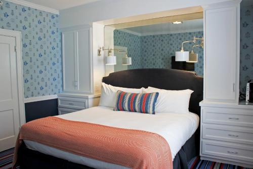 Kennebunkport Inn - Kennebunkport, ME 04046