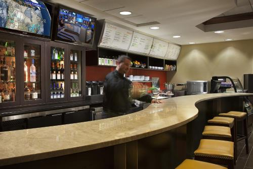 Courtyard by Marriott Toronto Airport photo 4
