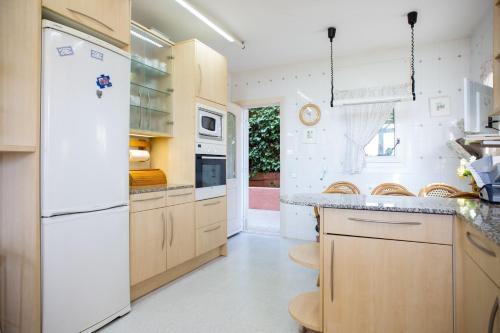 Villa Tropicana by Hello Apartments photo 21