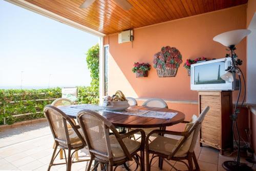 Villa Tropicana by Hello Apartments photo 22
