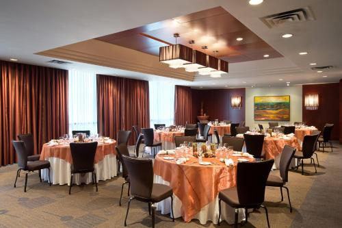 The Listel Hotel Vancouver Photo
