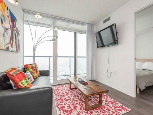 Aoc Suites - Penthouse Condo - Toronto, ON M6J 0C7