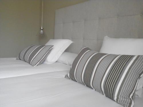 Double or Twin Room Hotel Mas De Cebrian 10
