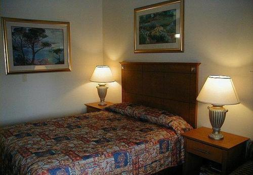 Americas Best Value Inn Niantic - Niantic, CT 06357