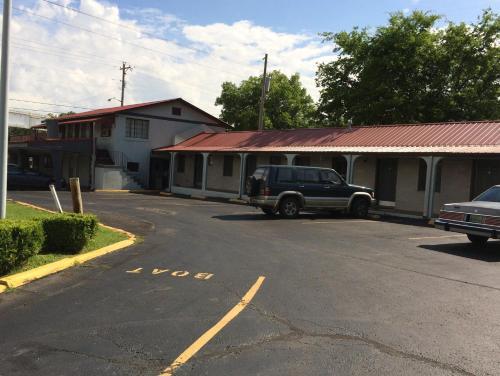 Budget Inn - Scottsboro - Scottsboro, AL 35768