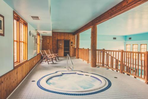 Glacier House Hotel & Resort - Revelstoke, BC V0E 2S0