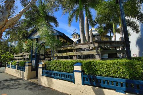 Brisbane Manor