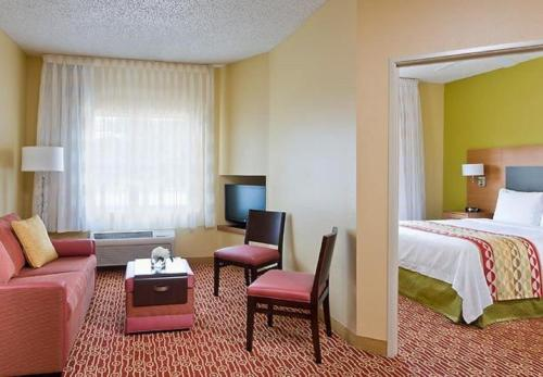 Towneplace Suites By Marriott Dallas Bedford - Bedford, TX 76021