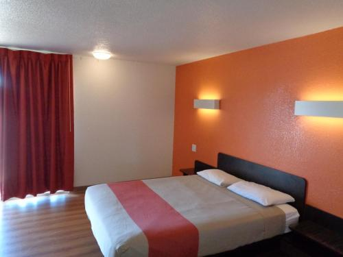 Motel 6 Dumas - Dumas, TX 79029