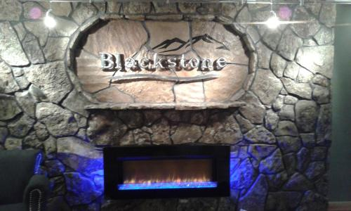 Blackstone Lodge And Suites