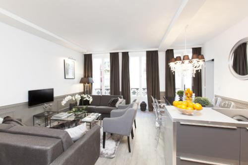 The Residence - Luxury 3 Bedroom Paris Center impression