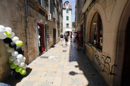Split City Breaks