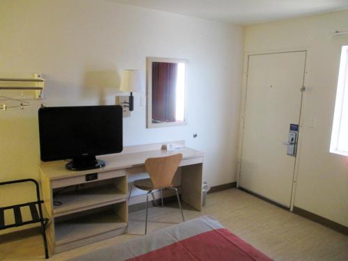 Motel 6 Texarkana Photo