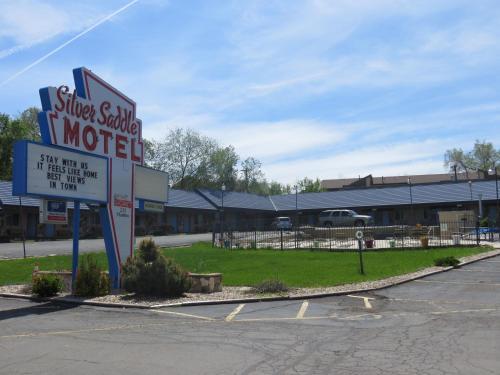 Silver Saddle Motel - Manitou Springs, CO 80829