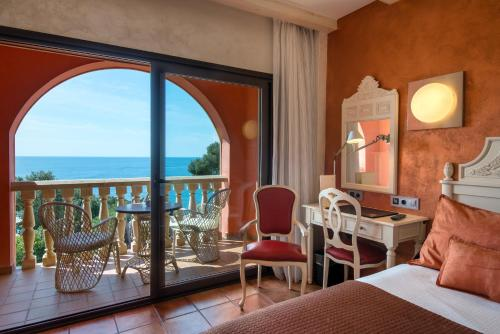Double Room with Sea View with Spa Access Hotel & Spa Cala del Pi 12