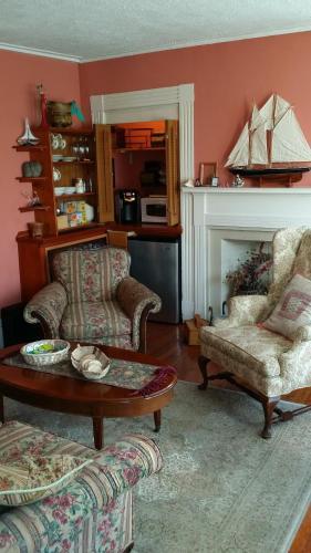 Burbank Rose Inn Bed & Breakfast Photo