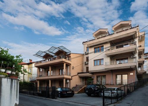 Antigona Apartments