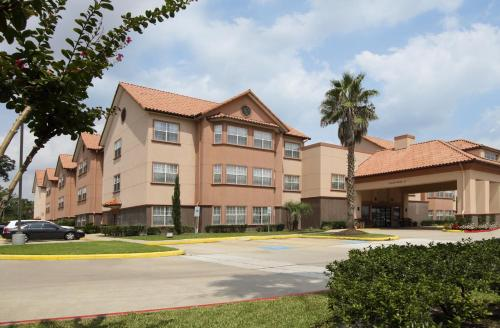 Hotels airbnb vacation rentals in the woodlands texas usa trip101 for Hilton garden inn houston the woodlands